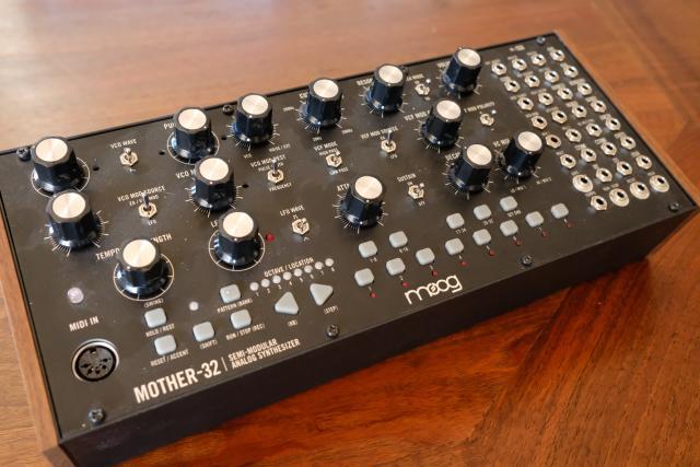 Moog Mother - 32