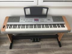 Piano numérique Yamaha DGX 640