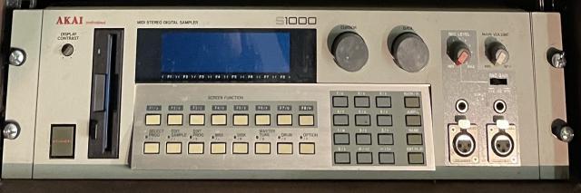 AKAI S-1000