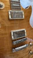 Belle Gibson Les Paul Standard en AAA Top/Amber/Bj. 2005